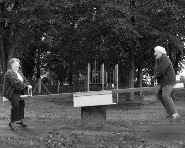 Прикольные картинки про старость (40 фото)