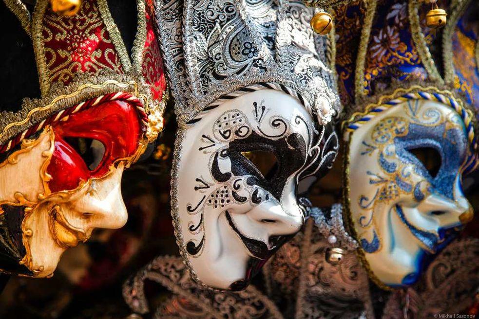 фото венецианских масок состоит лишь