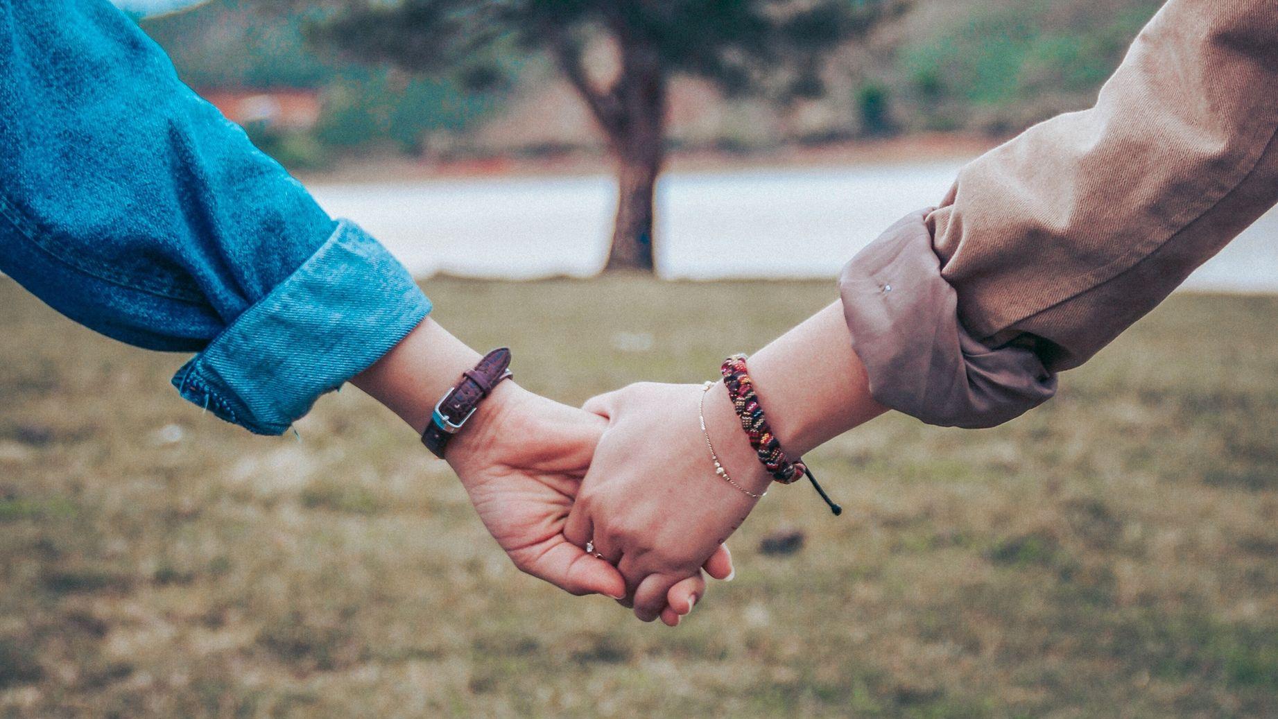 Картинки руки двоих влюбленных