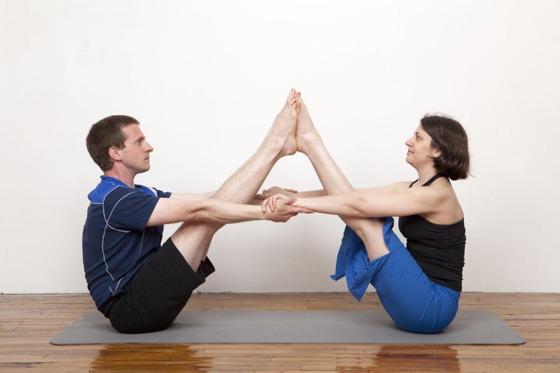 картинки йога на двоих фото