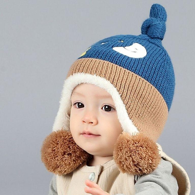 Детская картинка девочка в шапке