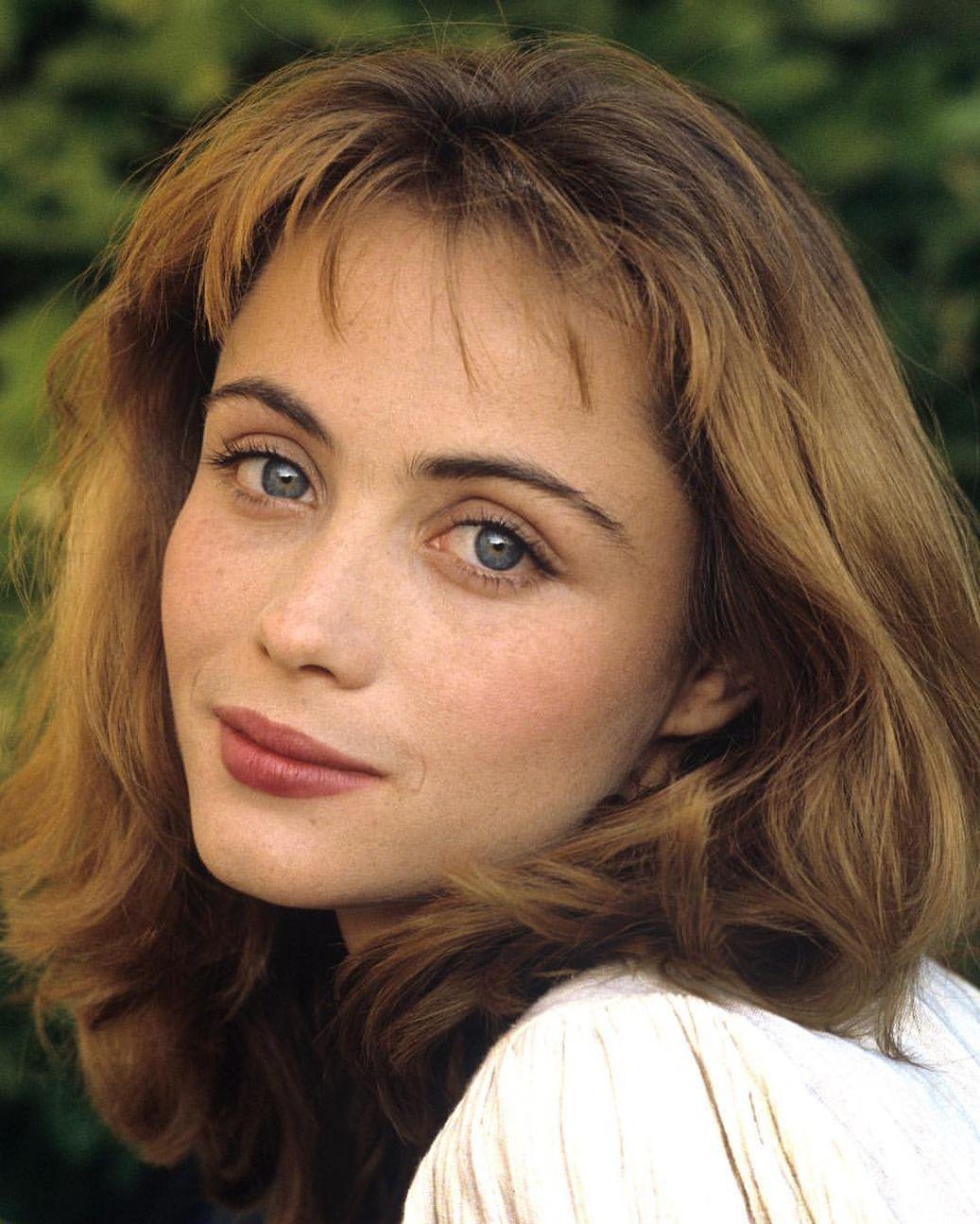 обладает высокой французские актрисы молодые фото биография возле