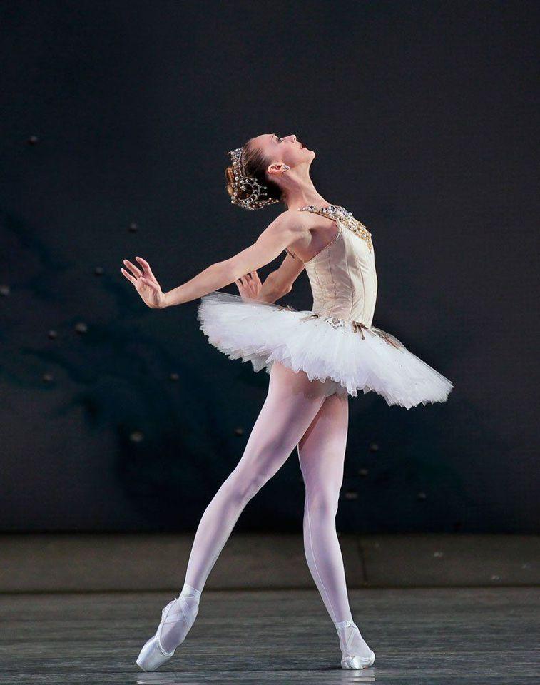 мне стало фото шикарных балерин барной карты есть