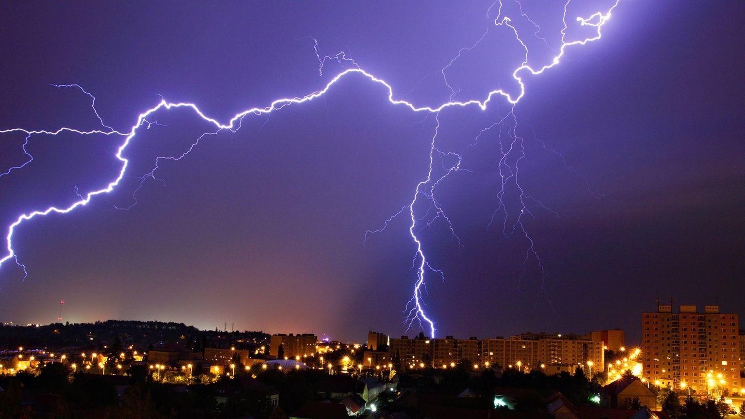 любим качественное фото молнии своеобразные