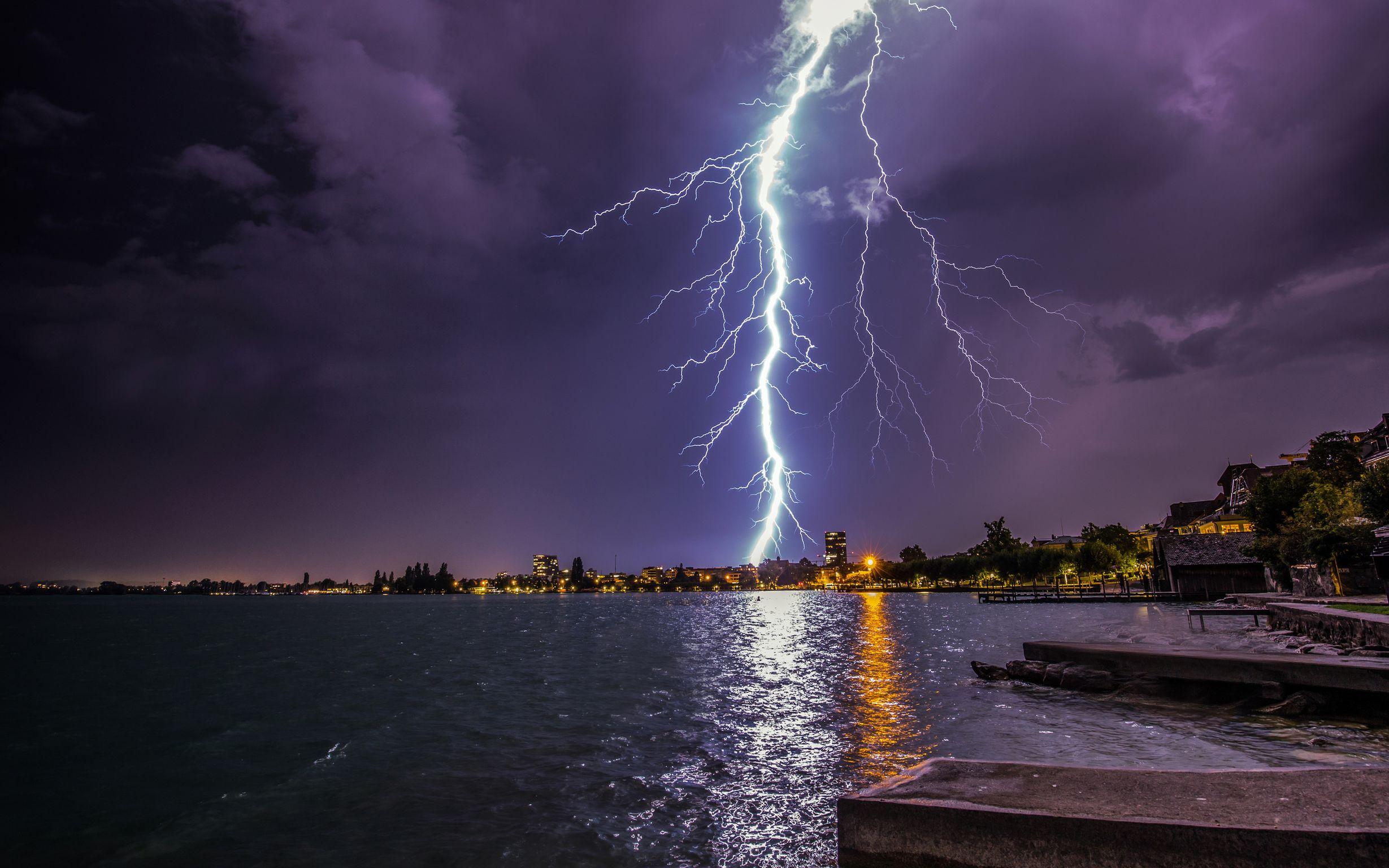 картинки молния и свет в ночи вам