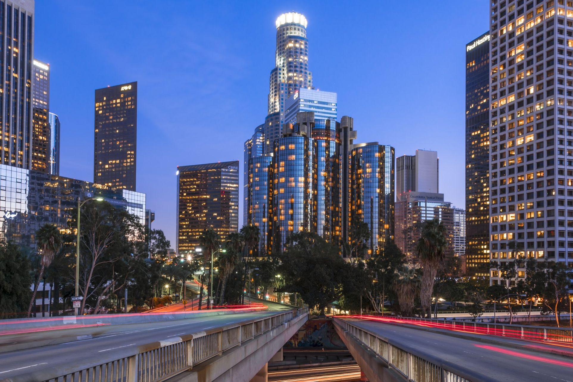 Дубай лос анджелес недвижимость в чехии 2015